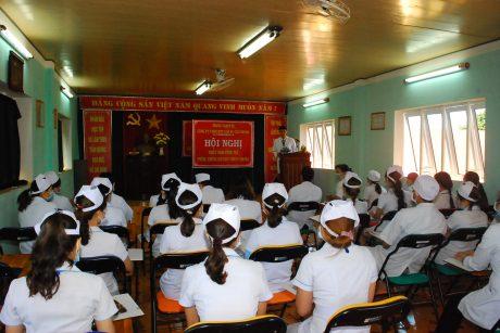 Tập huấn công tác phòng chống dịch bệnh do vi rút corona tại Y tế Chư Prông