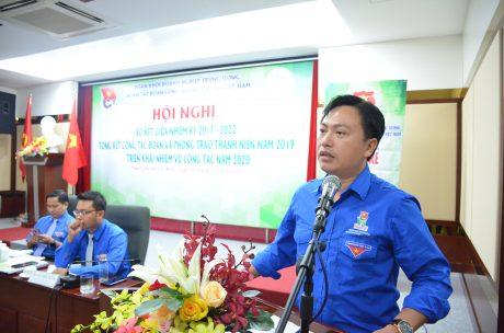 Đ/c Nguyễn Thế Cường – Bí thư ĐTN Công ty CP Cao su Lai Châu II thảo luận tại hội nghị