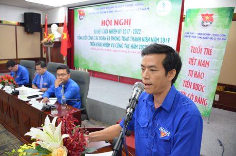 Đ/c Trương Văn Hải – Bí thư ĐTN Viện Nghiên cứu Cao su VN thảo luận tại hội nghị