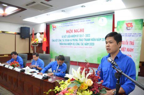 Đ/c Lê Quốc Bảo – Bí thư ĐTN Công ty TNHH MTV Cao su Dầu Tiếng thảo luận tại hội nghị