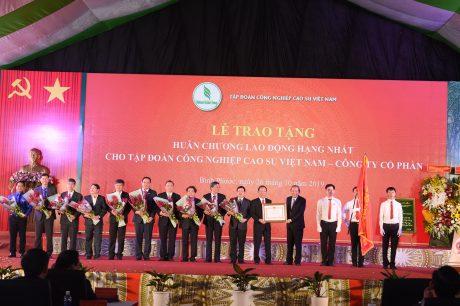 VRG vinh dự đón nhận Huân chương lao động hạng Nhất