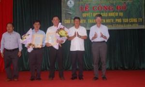 Lãnh đạo VRG công bố và trao quyết định bổ nhiệm nhân sự mới đối với Cao su Mang Yang