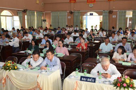 Đại biểu và cổ đông tham dự đại hội