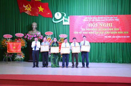 5 cá nhận nhận bằng khen của Bộ NN & PTNN