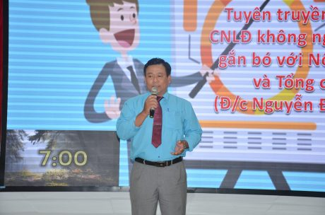 Thí sinh Nguyễn Đình Thành - Chủ tịch Công đoàn NT Thái Hiệp Thành trình bày chủ đề tại Hội thi