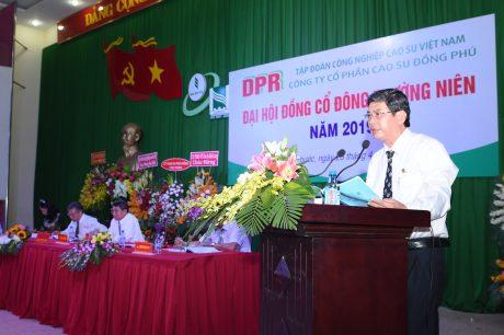 Ông Hồ Cường - TGĐ Cao su Đồng Phú báo cáo các hoạt động của công ty trong năm 2019