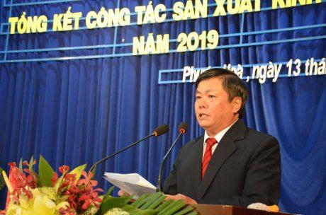 Ông Nguyễn Văn Tược – TGĐ Cao su Phước Hòa báo cáo tại hội nghị