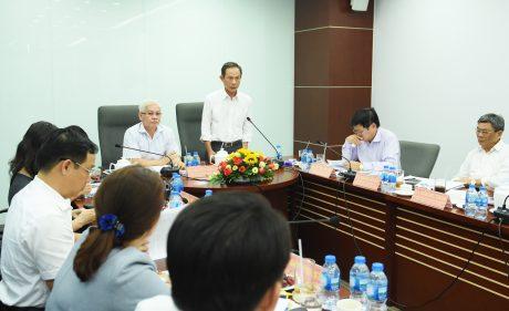 Bí thư Đảng Ủy, Chủ tịch HĐQT VRG Trần Ngọc Thuận  phát biểu tại buổi làm việc