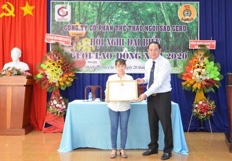 Cá nhân xuất sắc được nhận bằng khen của Ủy ban Quản lý vốn