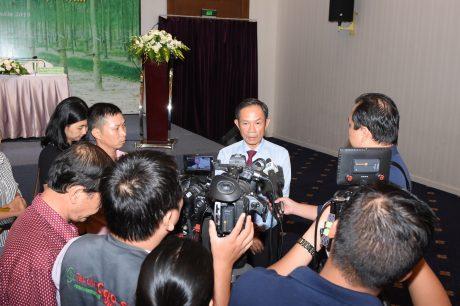 Ông Trần Ngọc Thuận – Chủ tịch HĐQT VRG trả lời phỏng vấn báo chí về chương trình phát triển bền vững