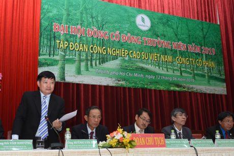 Ông Huỳnh Văn Bảo - TGĐ VRG trả lời ý kiến của cổ đông