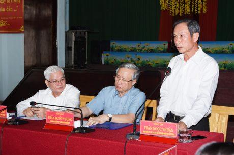 Bí thư Đảng ủy, Chủ tịch HĐQT VRG báo cáo tại buổi làm việc