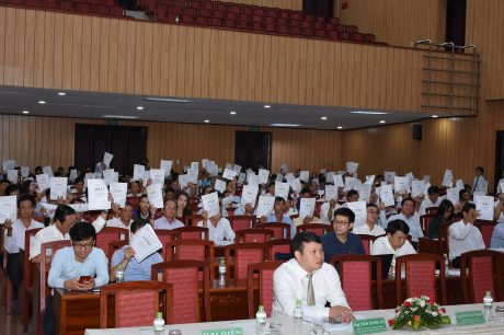 Đại hội biểu quyết thông qua các báo cáo, tờ trình tại Đại hội