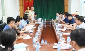 Ông Phan Viết Phùng - Phó ban TĐ TG VRG Phó BTC hội diễn quán triệt các nọi dung của hội diễn tại cuộ học các trưởng đoàn đơn vị tham gia