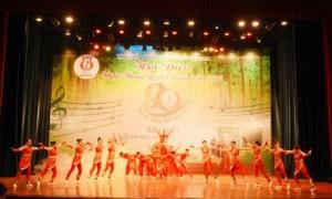 Tiết mục mở màn hội diễn của Công ty Cao su Thanh Hóa