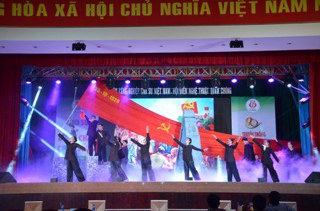 Sự kiện thành lập Chi bộ Đông Dương Cộng sản Đảng vào ngày 28/10/1929 có ý nghĩa quan trọng trong công cuộc đấu tranh của công nhân cao su nói riêng và phong trào cách mạng nói chung. Trong ảnh: Tiết mục tham gia Hội diễn Nghệ thuật quần chúng VRG năm 2019 của Công ty TNHH MTV Cao su Phú Riềng. Ảnh: Đào Phong