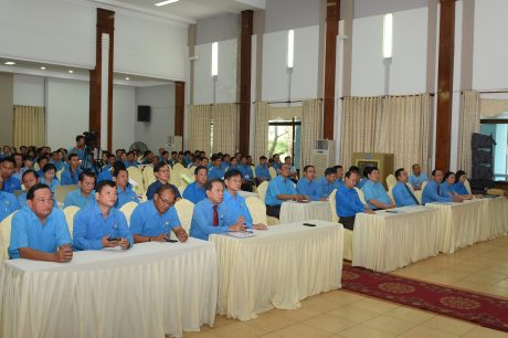 Đông đảo các quý vị đại biểu, các đơn vị đến tham dự Lễ khai mạc Hội thi