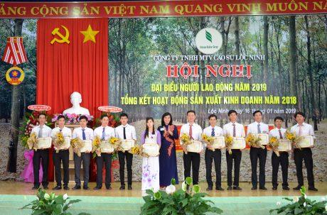 Hội nghị Người lao động Công ty TNHH MTV Cao su Lộc Ninh.