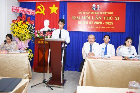 Đ/c Nguyễn Văn Cường - Phó Ban Biên tập Tạp chí đọc tham luận tại đại hội