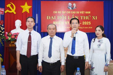 Đoàn đại biểu dự Đại hội Đảng bộ VRG lần thứ IX, nhiệm kỳ 2020 - 2025 ra mắt đại hội
