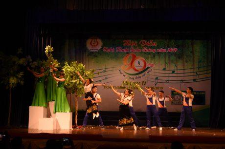 Tiết mục công diễn múa Xuân Sìn Hồ của Công đoàn Cao su VN