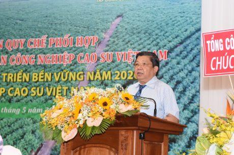 Ông Cao Chí Công – Phó Tổng Cục trưởng Tổng cục Lâm nghiệp đã báo cáo kết quả thực hiện quy chế phối hợp giữa Tổng cục Lâm nghiệp và VRG