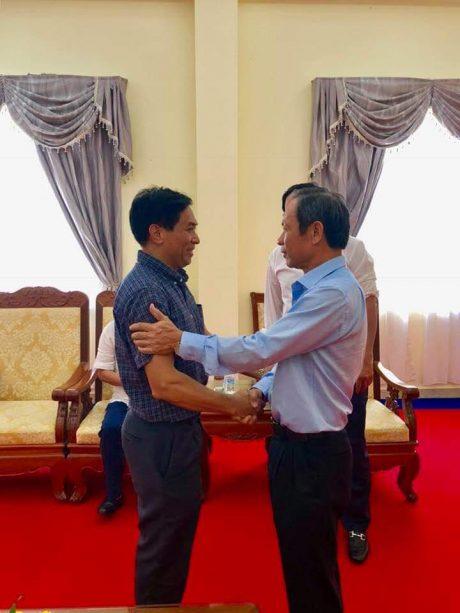 Chủ tịch HĐQT VRG Trần Ngọc Thuận gặp gỡ ông Trác Toàn - Công sứ phụ trách hoạt động đầu tư của Tập đoàn tại Campuchia