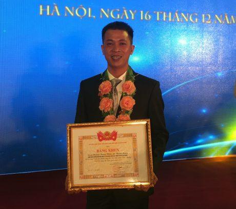 """Anh Lý Minh Kha vinh dự nhận Giải thưởng """"Tuổi trẻ sáng tạo"""" năm 2018 của TW Đoàn."""