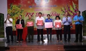 110 phần quà được trao cho CNLĐ có hoàn cảnh khó khăn nhân dịp Tết đến Xuân về