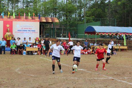 Phối hợp cùng Huyện Đoàn bắc Tân Uyên ra quân tuyên truyền khu dân cư không có tệ nạn xã hội