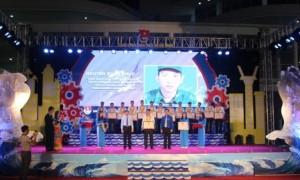 """Anh Nguyễn Xuân Phúc được vinh danh tại Lễ tuyên dương """"Người thợ trẻ giỏi"""" toàn quốc lần thứ 10 năm 2019, tại Quảng Ninh, ngày 31/5."""