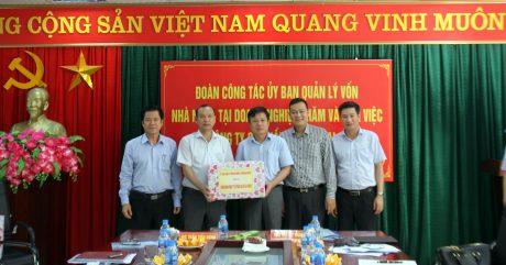 Tặng quà cho Công ty CPCS Lai Châu 2.