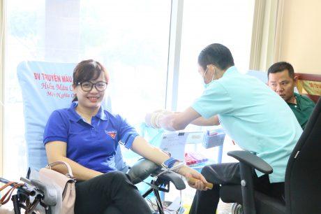 Đoàn viên thanh niên VRG tham gia hiến máu nhân đạo năm 2018.
