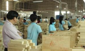 Sản xuất tại Công ty CP Gỗ Tây Ninh. Ảnh: Phan Thắng.