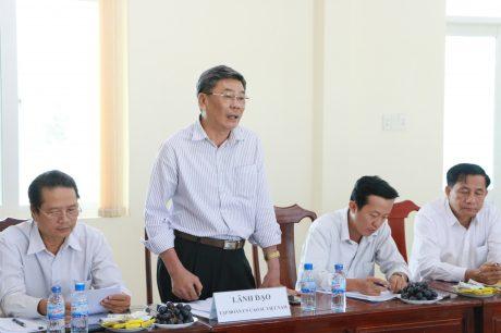 ông Nguyễn Tiến Đức – Phó TGĐ VRG biểu dương kết quả hoạt động sản xuất kinh doanh của toàn khối