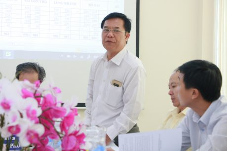 Ông Nguyễn Thanh Bình – Phó TGĐ KCN Bắc Đồng Phú, đơn vị khối trưởng báo cáo về công tác bình xét thi đua của Khối