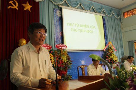 Ông Trần Công Kha - TGĐ VRG, Chủ tịch HĐQT Công ty CPCS Tây Ninh đọc thư từ nhiệm chức vụ Chủ tịch HĐQT công ty.