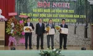 3 tập thể nhận bằng khen của Bộ NN & PTNN