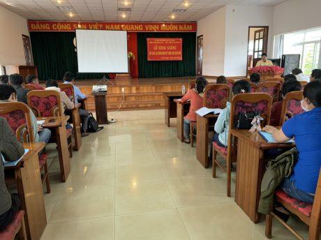 Quang cảnh lễ khai giảng lớp Đào tạo công nhân kỹ thuật chế biến mủ tại Cao su Chư Păh
