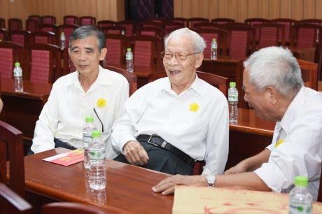Ông Phan Đắc Bằng (giữa) tại buổi họp mặt cán bộ hưu trí VRG Xuân Canh Tý 2020. Ảnh: Vũ Phong